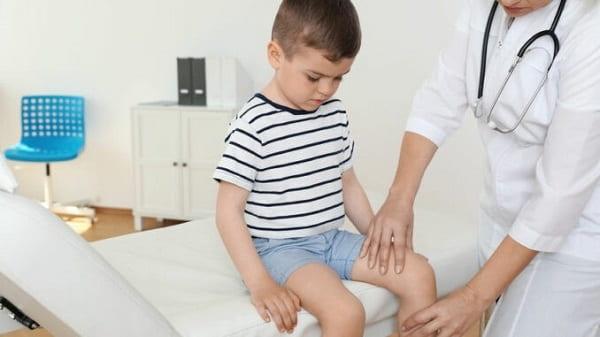 ارزیابی و تشخیص زانو درد کودکان