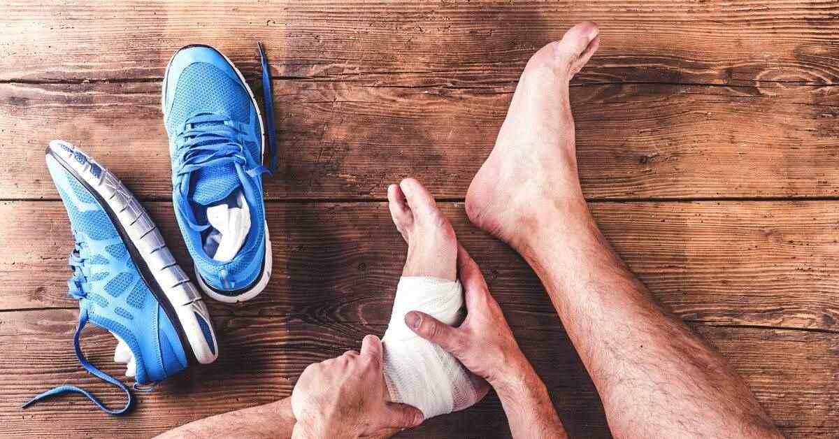 علت و درمان دررفتگی مچ پا