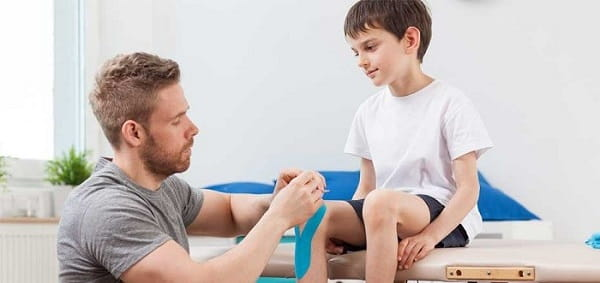 فیزیوتراپی برای درمان زانو درد کودکان