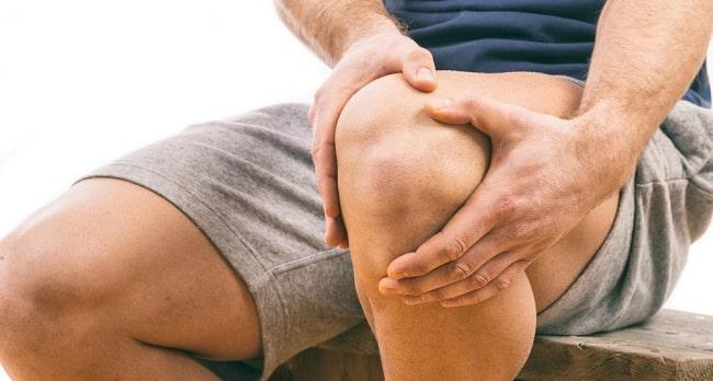 چرا خم شدن پا باعث درد زانو میشود