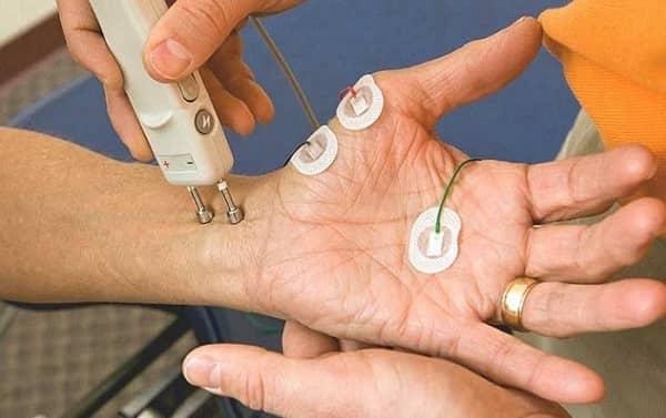 چرا مطالعات نوار عصب و عضله و هدایت عصبی انجام میشود؟