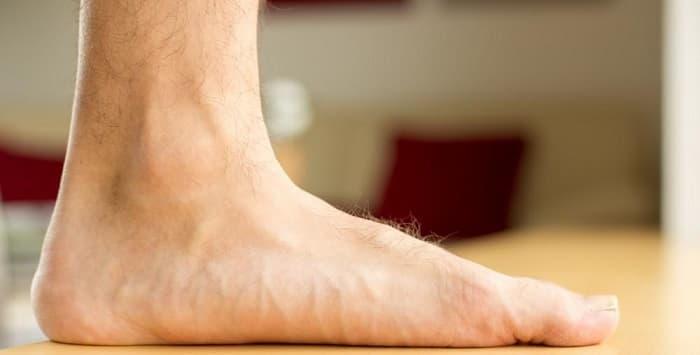 کف پای صاف یک واکنش زنجیرهای در کل بدن ایجاد میکند