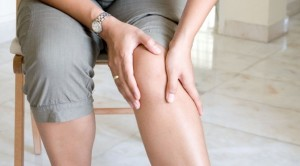 Knee-Pain-Acupuncture-1-672x372
